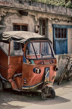 The old car by dmeerp Blur Image Background, Desktop Background Pictures, Blur Background Photography, Studio Background Images, Background Images For Editing, Black Background Images, Picsart Background, Photo Backgrounds, Nature Photography