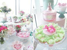 Lima Limão - festas com charme: Batizado da Jade: muitas flores e verde jade!