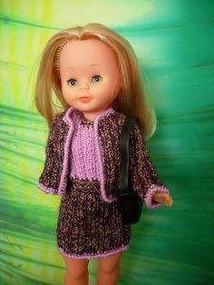 Nancy de chanel. Vestido y chaqueta tipo chanel de punto.