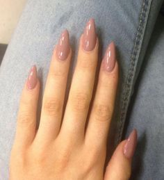 There are three kinds of fake nails which all come from the family of plastics. Acrylic nails are a liquid and powder mix. They are mixed in front of you and then they are brushed onto your nails and shaped. These nails are air dried. Almond Shape Nails, Almond Acrylic Nails, Fall Acrylic Nails, Fall Almond Nails, Natural Almond Nails, Nails Shape, Acrylic Nails For Summer Almond, Gel On Natural Nails, Short Almond Shaped Nails
