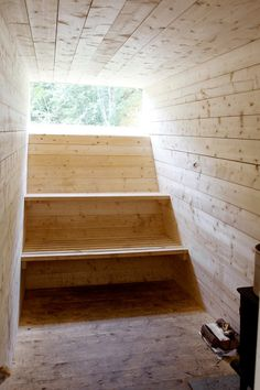 Beautiful simple wood sauna with window looking out on a forest. This sauna could comfortably fit three or four people, but is the perfect place to relax and sweat on your own too. Modern Saunas, Sauna Design, Outdoor Sauna, Sauna Room, Wood Architecture, Installation Architecture, Tadelakt, Steam Room, Best Bath