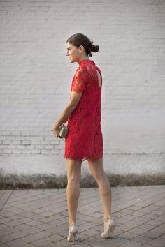Indian Garnet.  Orange dress. Vestido naranja de encaje. Street style outfits. Looks de street style. Fashion Blogger.