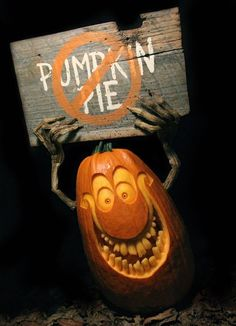 Halloween pumpkin carving - Real Time - Diet, Exercise, Fitness, Finance You for Healthy articles ideas 3d Pumpkin Carving, Awesome Pumpkin Carvings, Pumpkin Carving Contest, Pumpkin Art, Pumpkin Ideas, Pumpkin Faces, Halloween Tags, Halloween Pumpkins, Halloween Crafts