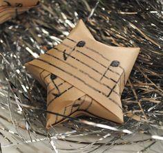 zakka life: Craft: Music Sheet Stars