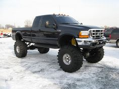 f-350 lifted black truck ..... yes please♥