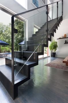 Metal Stairs that save time, keep and eliminate custom fabrication. In stock, ready to ship. metal stairs, steps, metal play a part platforms and portable stairs. Steel Stairs Design, Modern Stair Railing, Stair Railing Design, Home Stairs Design, Staircase Railings, Modern Stairs, Interior Stairs, Staircase Ideas, Iron Staircase