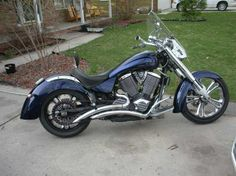 2004 Victory Kingpin.  I finished 2013 with 93,000+ miles on it, and will turn 100,000 early this year... I hope.