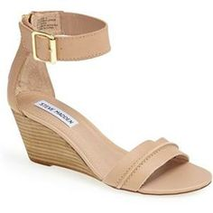 Cute, neutral wedge for summer. Love the zipper detail in the back.
