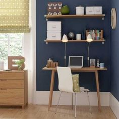 Home office pallet--digging the matching window covering and accent pillow!