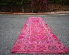 turkish rug oushak rug vintage rug turkey rug by turkishrugstar Types Of Rugs, Rustic Rugs, Traditional Rugs, Pink Rug, Bohemian Decor, Hand Knotted Rugs, Small Rugs, Floor Rugs, Rugs In Living Room