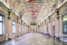 Candida Höfer, Palazzo Ducale Mantova I 2011©Artist & Yuka Tsuruno Gallery