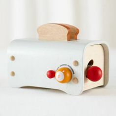 love! Breakfast in Bed Play Toaster | The Land of Nod