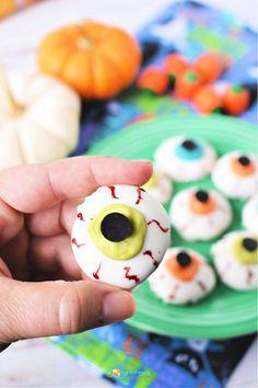This #Halloween Eyeballs Recipe is so tasty!