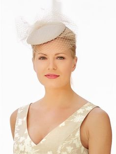 M&Co. Accessories Pillbox hat feather fascinator