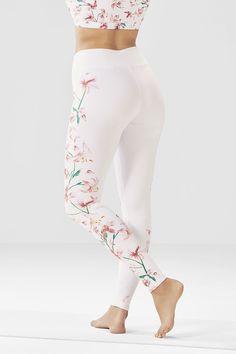 Fabletics Boutique - My Looks Leggings Outfit Summer, Cute Leggings, Floral Leggings, Girls In Leggings, Best Leggings, Leggings Store, Cheap Leggings, Sports Leggings, Printed Leggings