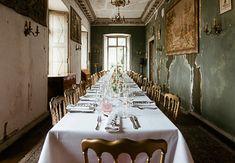 Mariages Archives - Fleuriste spécialisée en mariages et wedding design en Alsace Table Settings, Table Decorations, Design, Home Decor, Atelier, Stockings, Decoration Home, Room Decor