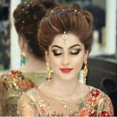 Lovely hair do Bridal Hairstyle Indian Wedding, Indian Bridal Photos, Indian Wedding Makeup, Bridal Hairdo, Indian Bridal Makeup, Bridal Pics, Bridal Makeup Looks, Bride Makeup, Hair Makeup