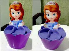 Cupcake com tag 3d da princesa Sophia