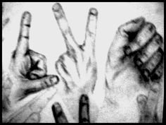 Hands... fun and frustrating at the same time. #art