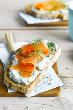 Get in the holiday mood with this festive toast that's light, fresh and simply delish. This bread 2.0 breakfast idea can easily be pimped with salmon too; real brainfood. Meal of the day: Breakfast - appetizers - snack - lunch.  Suited for: lactose free.  Ingredients: Sourdough bread - Alpro Simply Plain - 5 tbsp fresh herbs (dill, parsley, chive, basil), finely chopped - smoked salmon