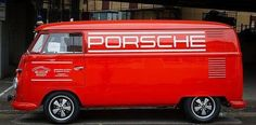 VW bus - Porsche support vehicle