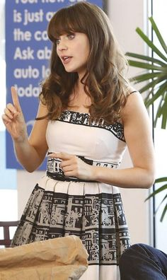 Jess's black and white graphic printed dress on New Girl.  Outfit Details: http://wornontv.net/20705/ #NewGirl #Fox