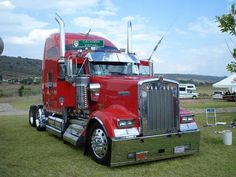 W 900 KW looking large and beautiful