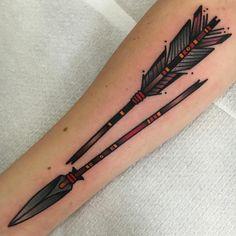 Broken arrow I did today! Made @salonserpenttattoo #oldlines @oldlines #topclasstattooing @top_class_tattooing #tradworkerssubmission @tradworkers_tattoo #tattoosandflash @tattoosandflash #besttradtattoos @besttradtattoos #tttism @tttism #magicmoonneedles @magicmoon_tattoo_supply #salonserpent #amsterdam #tattooingamsterdam #arrow