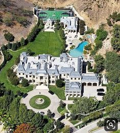 Dream House Interior, Luxury Homes Dream Houses, Dream Home Design, Beverly Park, Beverly Hills Mansion, Big Mansions, Mansions Homes, Celebrity Mansions, Celebrity Houses