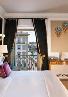 Awe-A Room with a View-St Regis-Florence, Italy