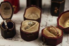RUSTロンドンより…: antique ring box... { アンティークのリング・ボックス }