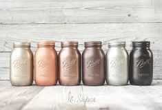 Rust-Oleum Metallic Spray Paints Rustoleum Champagne Mist (L). Rustoleum metallic colors on painted mason jar decor. Spray Paint Lamps, Best Spray Paint, Copper Spray Paint, Painting Lamps, Painting Metal, Metallic Spray Paint Colors, Rustoleum Metallic, Rustoleum Spray Paint, Bronze
