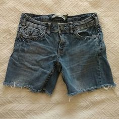 Offers Welcome! Aeropostale Cutoff Jean Shorts Pre-loved and in good condition! Aeropostale Shorts Jean Shorts