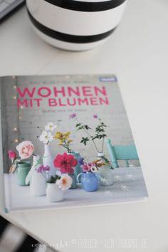 Fräulein Klein : Wohnen mit Blumen • DIY Krepp-Anemonen • Ombre Ostereierhttp://fraeulein-klein.blogspot.de/2014/03/wohnen-mit-blumen-diy-krepp-anemonen.html