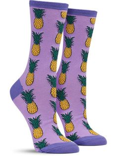 A fresh, tropical twist on a classic colorful fruit sock. Smoothies, socks, kebabs… you name it, you always add pineapple!