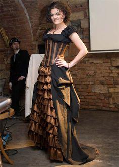 Steampunk Fashion Show Viktorianischer Steampunk, Costume Steampunk, Steampunk Wedding, Steampunk Clothing, Steampunk Fashion, Victorian Fashion, Steampunk Outfits, Steampunk Dress, Victorian Gothic