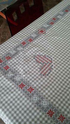 Sashiko Embroidery, Silk Ribbon Embroidery, Cross Stitch Embroidery, Embroidery Patterns, Hand Embroidery, Chicken Scratch Patterns, Chicken Scratch Embroidery, Cross Stitch Borders, Cross Stitch Patterns