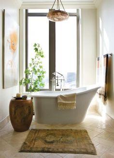 salle de -bain exotique esprit zen avec baignoire sabot