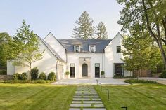Exterior Paint Colors - You want a fresh new look for exterior of your home? Get inspired for your next exterior painting project with our color gallery. All About Best Home Exterior Paint Color Ideas Architecture Durable, Farmhouse Architecture, Modern Farmhouse Exterior, Rustic Farmhouse, Farmhouse Style, Architecture Design, American Farmhouse, Light Architecture, Farmhouse Ideas