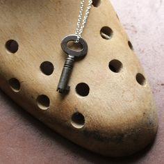 HODGSON Belly Button Rings, Wallpaper, Rose, Jewelry, Fashion, Moda, Pink, Jewlery, Jewerly