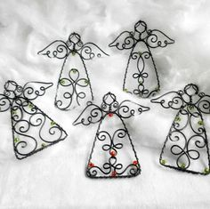 Andělky / Zboží prodejce Pindrush | Fler.cz Wire Crafts, Metal Crafts, Jewelry Crafts, Wire Ornaments, Angel Ornaments, Handmade Christmas, Christmas Crafts, Beaded Angels, Wire Flowers