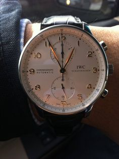 Buying The Right Type Of Mens Watches - Best Fashion Tips Stylish Watches, Luxury Watches, Cool Watches, Watches For Men, Unique Watches, Iwc Chronograph, Breitling, Rolex, Iwc Watches