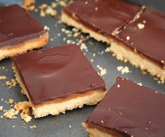 Peanut Butter Caramel Shortbread Bars (Low Carb and Gluten Free) | All Day I Dream About Food