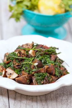 Outrageously good and easy! Healthy Garlic Kale & Mushroom Stir Fry - Low Calorie, Low Fat, Vegetarian Dinner Recipe