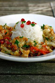 Curry Mit Blumenkohl Und Granatapfel