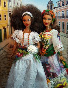 fuckyeahdollsofcolor:  Bahia1 by Sartoria Gigi on Flickr. Via Flickr: Sua mais nova amiga acaba de chegar! Her new friend arrived!