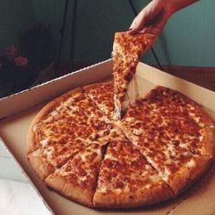 J'aime manger de la pizza.