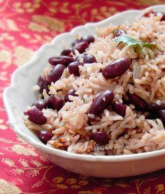 Le riz-haricots-rouges, je crois bien que c'est la recette de riz que je préfère avant la paëlla, le risotto, etc. Ce plat d'origine haïtienne (on l'appell