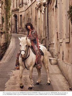 Mica Arganaraz wears Rodarte's Paisley Blouse in the June 2016 issue of Vogue Paris (Photo by Mikael Jansson, Styling by Anastasia Barbieri). Vogue Paris, David Sims, Man On Horse, Horse Girl, Horse Fashion, Face Photo, White Horses, Paris Photos, Vogue Magazine