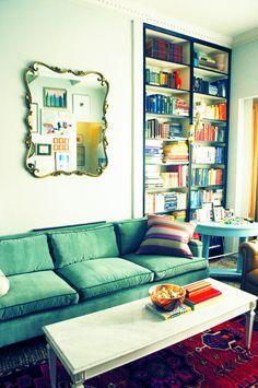 Little Green Notebook: Making Billy Bookshelves Look Like Built-Ins
